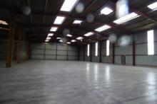 entrepôts de 2500 m2